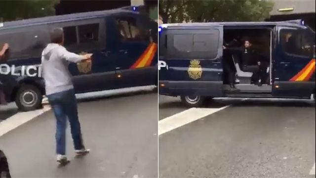 El video al que se refiere Gerard Piqué sobre la actuación de las fuerzas de seguridad