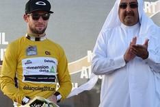 Cavendish no logra ganar la etapa, pero le vale para hacerse con el Tour catar�