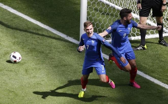 Griezmann marc� los dos goles que metieron a Francia en cuartos