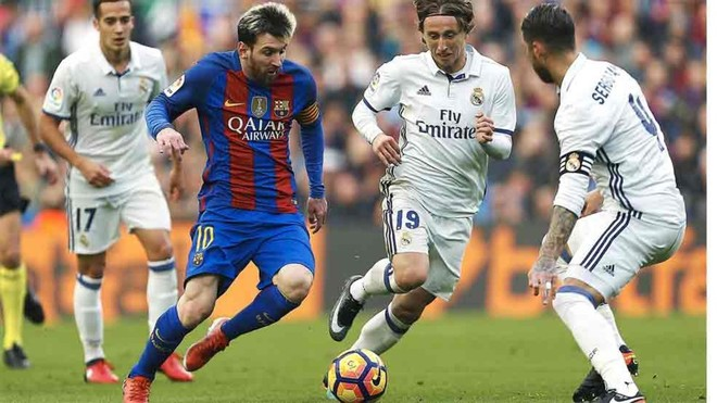 Leo Messi during a Clasico