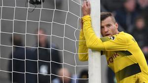 Yarmolenko se lamenta tras fallar una ocasión clara de gol