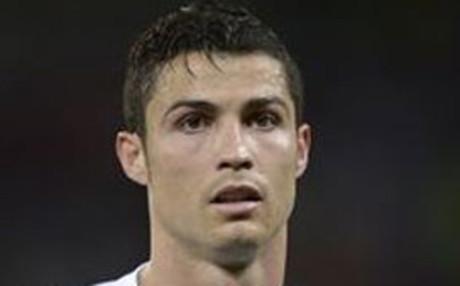 Ronaldo con flequillo a un lado