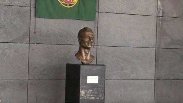 Ronaldo, feliz y honrado por homenaje de Madeira pese a las críticas