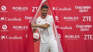 Nolito fue presentado como nuevo jugador del Sevilla