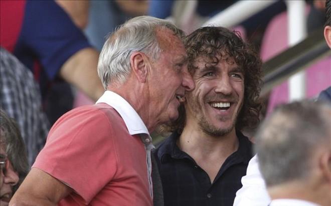 Carles Puyol mantuvo una excelente relaci�n con Johan Cruyff