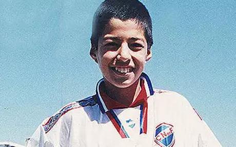 Un joven Luis Su�rez en sus inicios en el Nacional