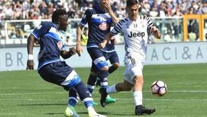 Muntari lesionó a Dybala