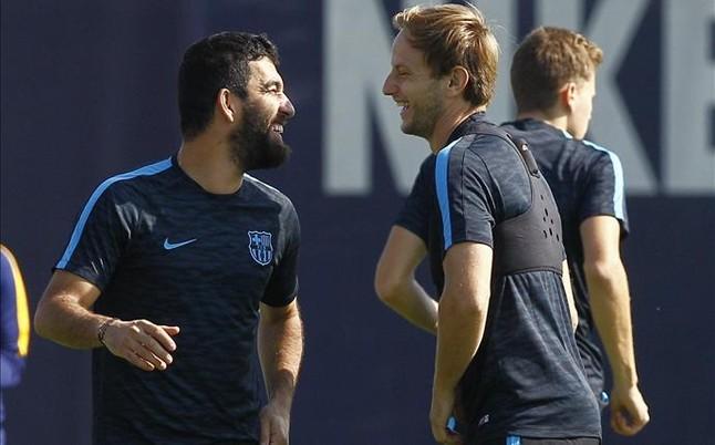 Con Arda, pero sin Aleix Vidal