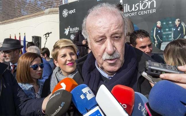 Del Bosque opina que Barcelona y Sevilla deben decidir la sede de la final de la Copa del Rey