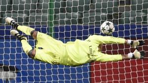 David de Gea encaja un gol en el partido contra el Legia Varsovia de la Champions