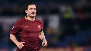 Totti es duramente criticado, e insultado, por un político italiano