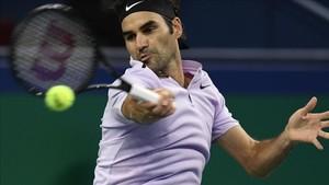 Federer, adelante en Shanghai