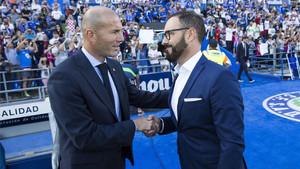 Bordalás se saluda con Zidane en el Getafe-Madrid