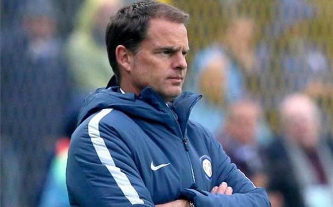 De Boer no pod�a ocultar su preocupaci�n tras perder ante el Atalanta (2-1)