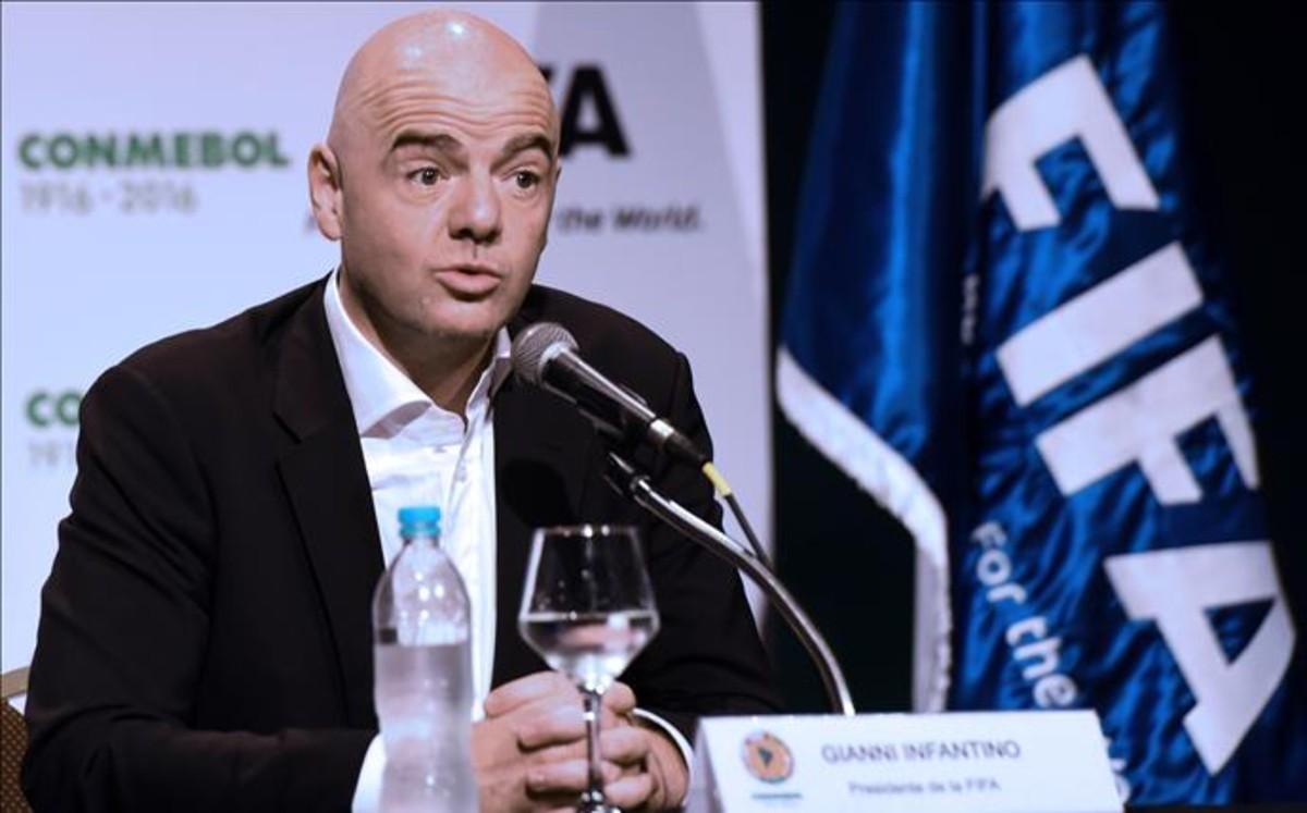 Infantino da a entender que Argentina y Uruguay organizar�n el Mundial 2030
