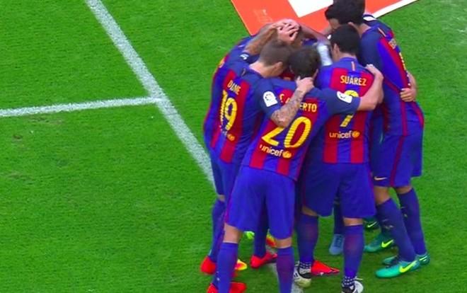 Momento en el que le dieron el botellazo a Neymar
