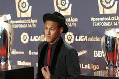 Neymar fue premiado por la Liga