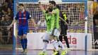 Ricardinho y Lolo celebran uno de los goles de Inter en el cuarto partido