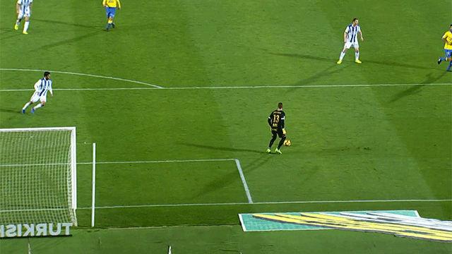 Video resumen: El inexplicable error de Javi Varas en el UD Las Palmas - Real Sociedad (0-1)