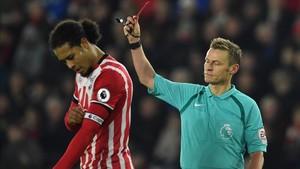 Van Dijk entrena al margen del grupo en el Southampton