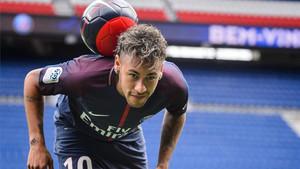 Neymar verá a sus compañeros en la grada del Parque de los Príncipes
