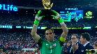 Claudio Bravo se lleva el Guante de Oro de la Copa Am�rica Centenario
