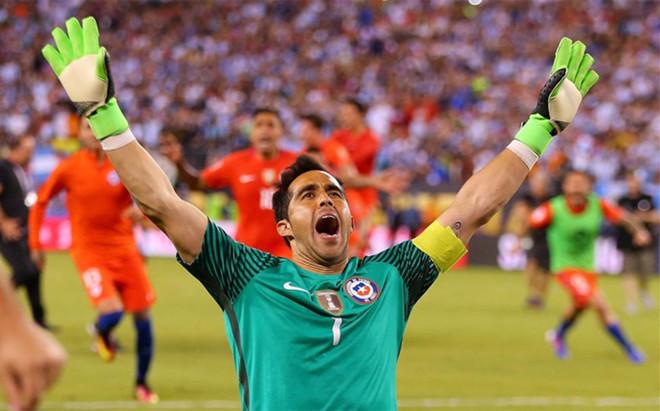 Claudio Bravo fue el h�roe de Chile ante Argentina