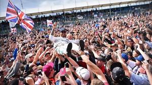 Hamilton, tras su victoria el pasado año en Silverstone