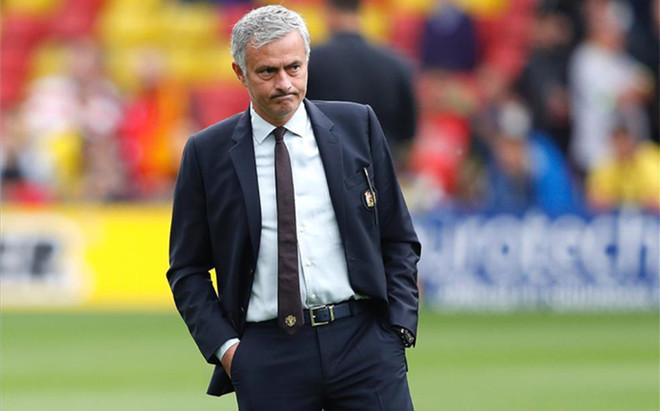 Mourinho considera que la Premier League perjudica al Manchester United con el calendario