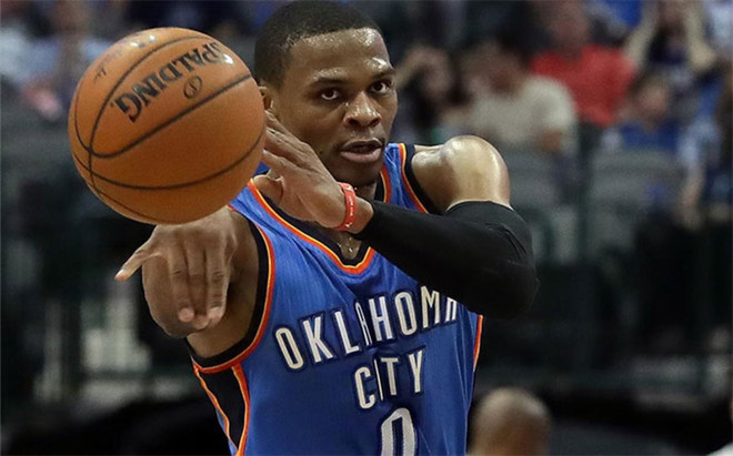 Russell Westbrook, lidera a los Oklahoma City Thunder