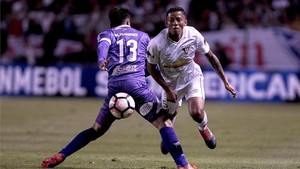 Liga de Quito y Defensor Sporting empataron 2-2