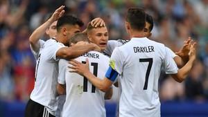 Alemania venció sin problemas a Camerún