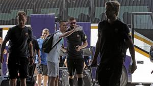 Las imágenes de la salida del Barça rumbo a Estados Unidos