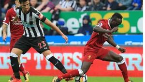 Mikel Merino juega en el Newcastle