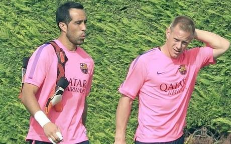 Claudio Bravo y Ter Stegen luchan por la titularidad en la porter�a del FC Barcelona
