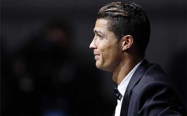 Cristiano Ronaldo fue premiado como mejor jugador de la pasada temporada en Europa