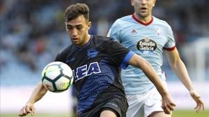 Munir juega en el Alavés cedido por el Barça