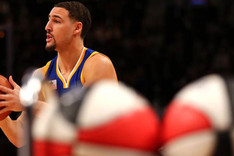 Thompson destrona a Curry como campe�n de triples del All Star