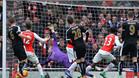 Welbeck pone la Premier League al rojo vivo