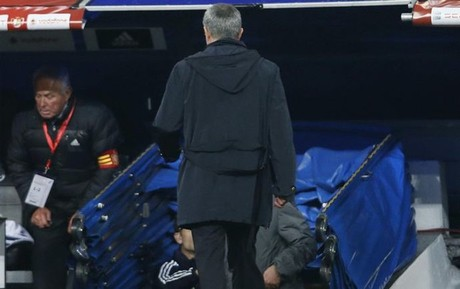 Mourinho ya ve la puerta de salida del Bernabu