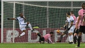Así marcó Joao Mario el gol del triunfo del Inter en Palermo