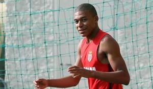El Mónaco niega un acuerdo por Mbappé