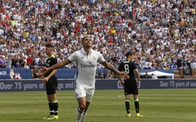 Mariano celebra el tanto que marc� ante el Chelsea