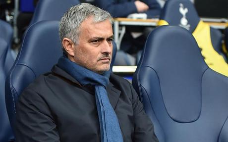 Mourinho puede provocar un verdadero terremoto en el vestuario del Manchester United