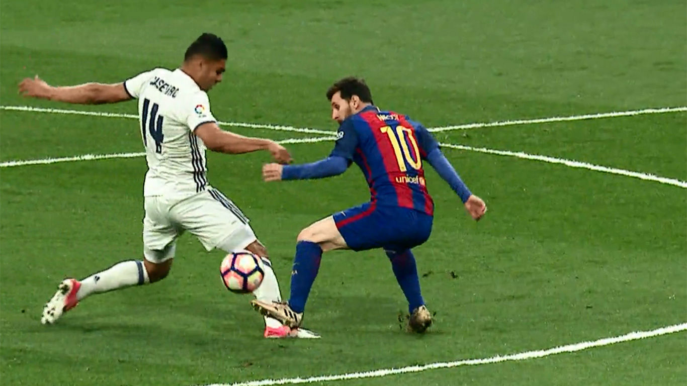 Video Resumen: Espectacular recorte de Messi a Casemiro que acabó en falta
