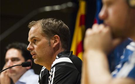 Frank de Boer, durante la rueda de prensa en el Camp Nou