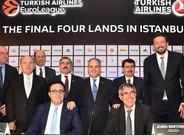 Jordi Bertomeu presidi� el acto en el que se anunci� la elecci�n de Estambul como sede de la pr�xima Final Four
