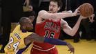 Pau Gasol jugó ante los Lakers de Kobe Bryant