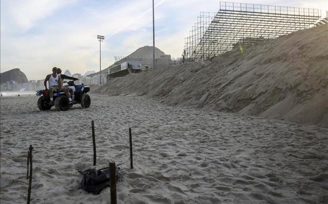 La polic�a brasile�a peina la zona donde ha aparecido el cuerpo
