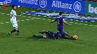 ¡Rico llega antes al balón y el árbitro regala un penalti al Madrid!